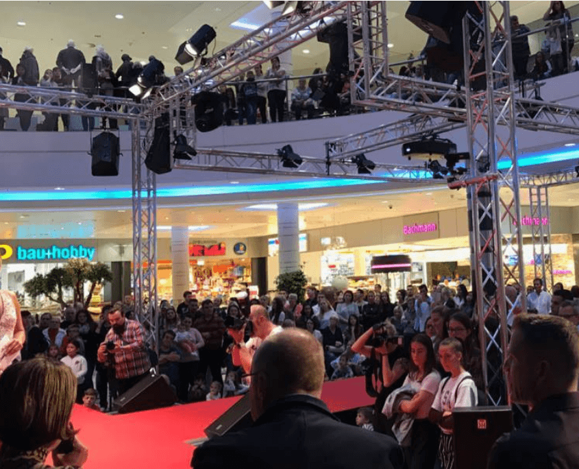 shopping-center-event-luzern-miss-wahl-schweiz-eventmarketing-emotion.company